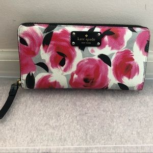 Kate Spade Pink Floral Zip Wallet EUC